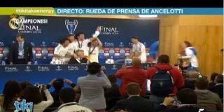 Final de la Champions: Los jugadores del Madrid 'asaltan' la rueda de prensa de Ancelotti