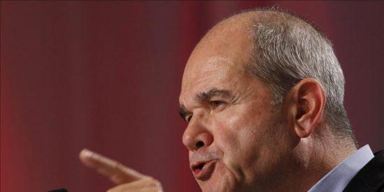 Manuel Chaves ve compatible que Díaz pueda ser líder del PSOE y presidir la Junta de Andalucía