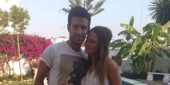 Un jugador del Rayo y su novia protagonizan el posado del verano