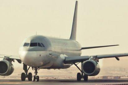Un rayo impacta en el avión de la selección española
