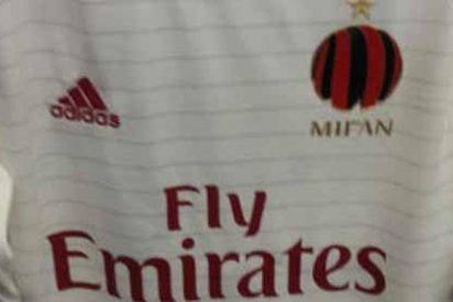 El Milan sorprende con su segunda equipación