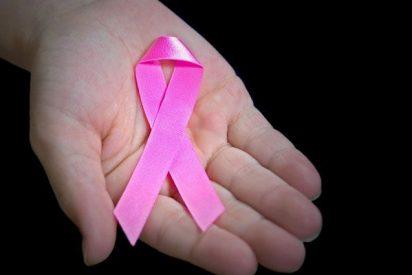 Una de cada cinco españolas puede beneficiarse ya del fármaco que corta de raíz el cáncer de mama