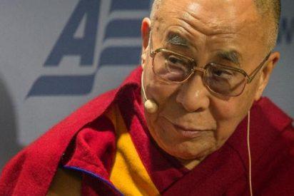 """El Dalai Lama admira la """"determinación y transparencia"""" de Francisco"""