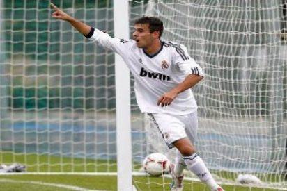 Anuncia que deja el Real Madrid y ficha por el Valencia en Twitter