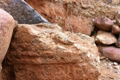 Aparece en Sagunto un altar de época romana