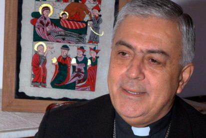 """El obispo de Tenerife: """"Si no cambia, la sociedad está perdida"""""""