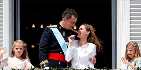 Y al despertar España del sueño de la coronación... el paro seguía ahí
