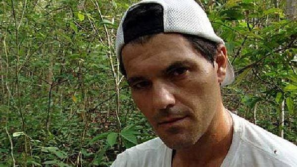 La lucha de Frank Cuesta por sacar a su mujer de prisión tras haber pasado un cáncer