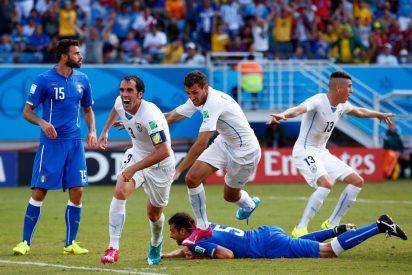 El entrenador Prandelli y el presidente de la federación italiana dimiten tras el batacazo en el Mundial