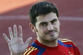 Casillas seguirá hasta 2016 en la Selección
