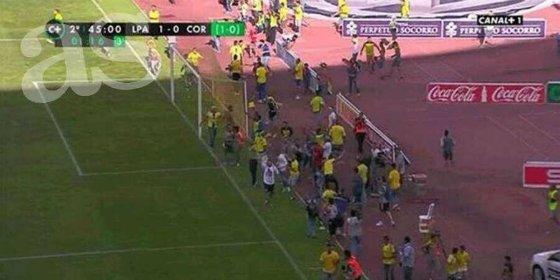 ¿Tienen la culpa los aficionados de Las Palmas de que no ascendiera su equipo?