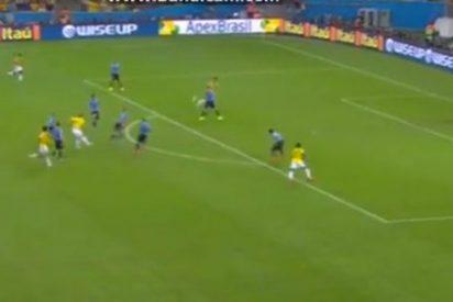 James Rodríguez mete el gol del Mundial ante Uruguay