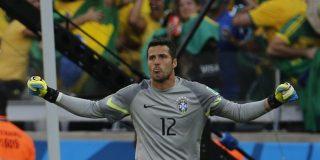 Un Brasil sin pegada gana a Chile en los penaltis y sigue en el Mundial de milagro