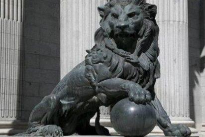 Wert no está para 'alegrías': no dotará de testículos al león del Congreso por una razón de mucho peso