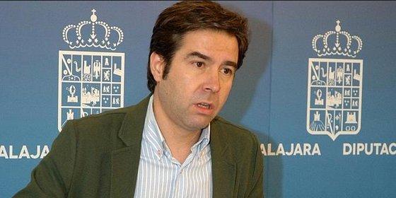 """Robisco (PP): """"Los ciudadanos de C-LM exigen una reducción de diputados ya"""""""