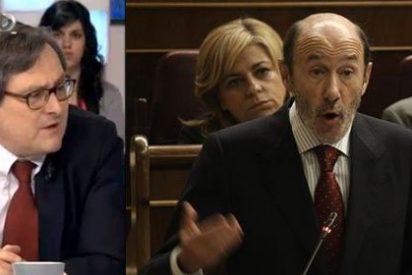 Los tertulianos abrazan emocionados a Rubalcaba en su despedida pero no explican su fracaso en el PSOE