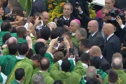 """Francisco reclama """"pastores, antes que intelectuales"""""""
