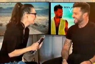 """Beatriz Montañez, desatada, intenta 'ligar' con Ricky Martin: """"A mí me gusta la morcilla y todo lo que tenga carne"""""""