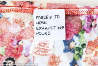 Grito de socorro: Encuentran mensajes ocultos sobre la explotación laboral en dos vestidos