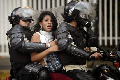 Militares chavistas retirados también reclaman la destitución del 'incomptente' Maduro
