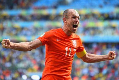 """Robben pide perdón por su """"piscinazo"""""""
