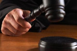 Condenados a 10 años de prisión unos guardias civiles por torturar a dos ingleses en el cuartel de Palmanova