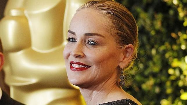 """A Sharon Stone le parece """"obsceno"""" que le achaquen una relación con Banderas"""
