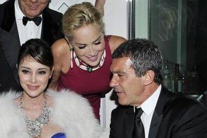 Antonio Banderas confía en su 'instinto': se va de vacaciones con Sharon Stone...y a ver qué pasa