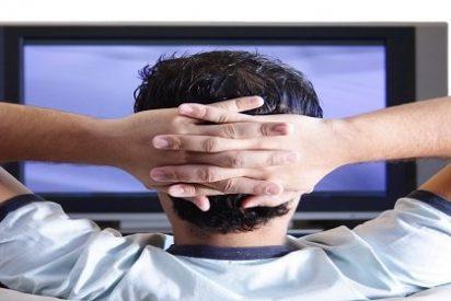 Ver más de 3 horas de televisión al día duplica el riesgo de muerte prematura
