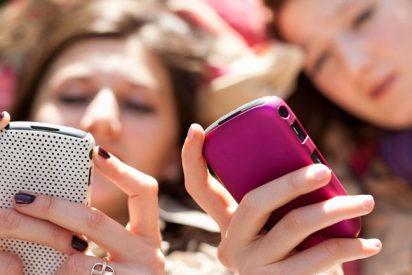 Conectarse por móvil a Internet desde el extranjero ya no dejará tan 'colgado' el bolsillo