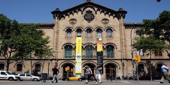 La Universidad de Barcelona propone reducir a la mitad sus facultades