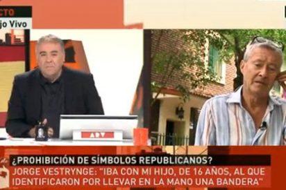 Detienen por 'chuleta' a Jorge Verstrynge que se manifestaba feroz por la República