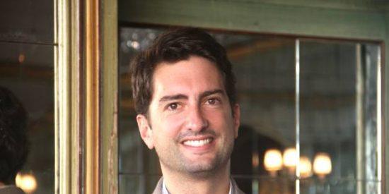 Benefactor de la Humanidad coctelera: Vincent Clabé Navarre y la resurrección del licor Izarra