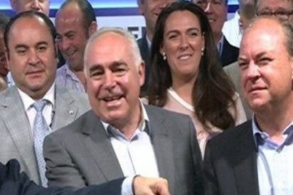 """Monago destaca que Acedo ha dado """"la cara"""" y se ha sobrepuesto a la crisis económica y a la """"que dejó"""" el PSOE"""