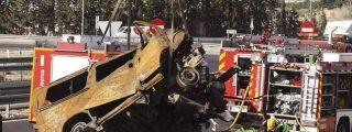 Mueren 8 personas calcinadas al chocar su furgoneta contra un camión cerca de Alicante