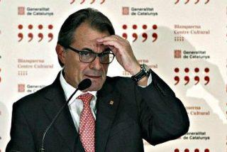 """Al presidente de Cataluña le sueltan un """"Artur Mas, Traidor, ¡Viva España!"""" en plena rueda de prensa"""