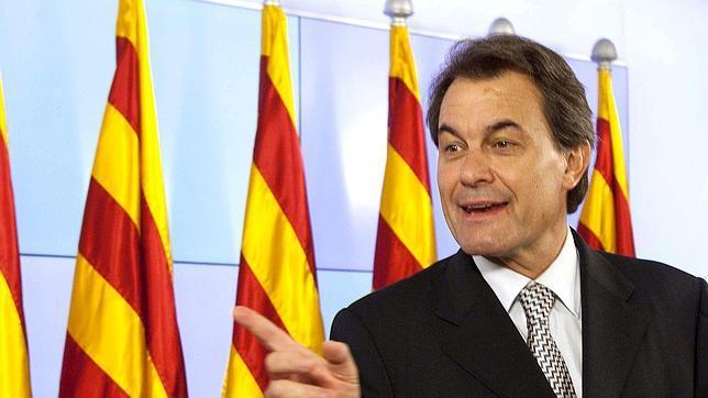 """Mas: """"Cataluña aumenta las aportaciones porque el Gobierno las reduce"""""""