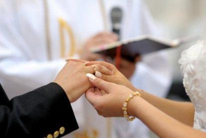 Las bodas religiosas cayeron más del 60% desde 1990 en Argentina