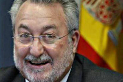La Junta de Andalucía pagó 170.000 euros de sueldo a Bernat Soria y colocó a su mujer