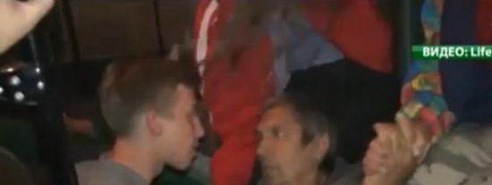 El terrible vídeo del cámara de TV que agoniza tras ser tiroteado por los militares ucranianos