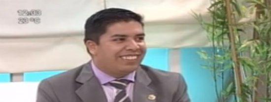 El vídeo del diputado caradura que dice ser un experto en idiomas y que no sabe contar hasta diez