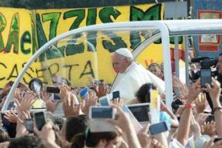 """El Papa invita en Caserta a """"decir no a cualquier forma de corrupción y de ilegalidad"""""""