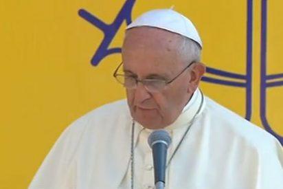 """El Papa llama a la construcción de """"un mundo nuevo, en el que los bienes de la tierra y el trabajo sean distribuidos equitativamente"""""""