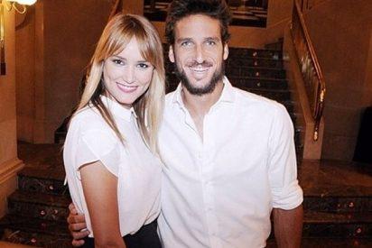 Feliciano mete un anillo en una torrija y le pide matrimonio a Alba Carrillo
