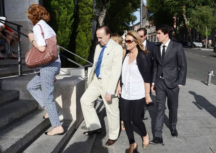 Triste funeral de Andrés Martínez-Bordiú
