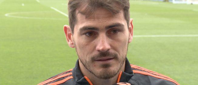 Casillas explota y responde duramente a un usuario de Instagram