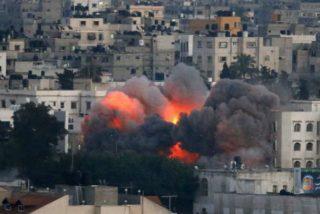 Israel bombardea una mezquita en Gaza