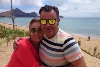 Jorge Javier se quita las penas de su fracaso como actor celebrando su 44 cumpleaños en una playa paradisiaca