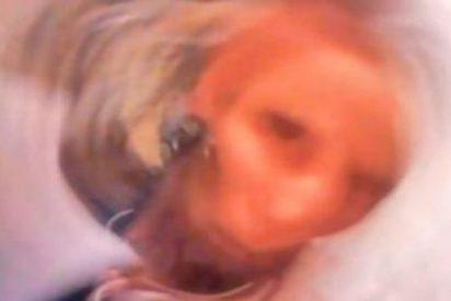 [Vídeo] La difunta abuela le manda un 'selfie' al móvil desde el infierno y la deja helada