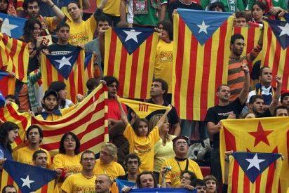 Mariano Rajoy, Artur Mas y la escena del sofá con Cataluña de fondo